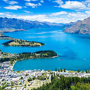 Discover the beautiful alpine resort of Queenstown