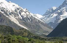 Hike the majestic Hooker Valley Track