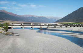 The TranzAlpine train on Waimakariri Bridge