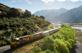 Tranz Alpine train from the east to west coasts, South Island, New Zealand