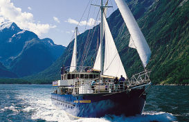 Real Journeys Milford Wandere boat cruising Milford Sound