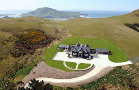 Stay at Camp Estate boutique lodge on the Otago Peninsula