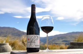 Bottle of Mt Difficulty Pinot Noir Central Otago wine